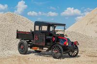 antique truck, international, international harvestor, dump truck