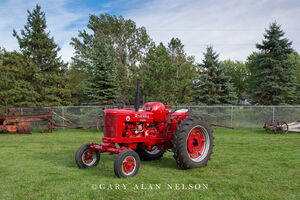 Farmall, antique tractor