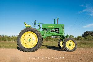 antique tracter, vintage tractor, john deere