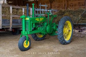 antique tractor, john deere, vintage tractor