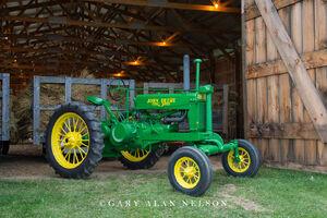 antique tractor,john deere,vintage tractor