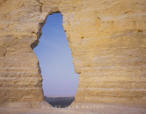 Monument Rocks National Monument, Kansas, keyhole arch