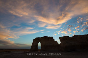 monument rocks, kansas, prairie, national monument, keyhole arch, dusk