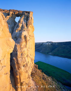 Upper Missouri Wild and Scenic River, Montana, hole in the rock