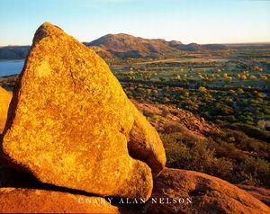 Quartz Mountain State Park, Oklahoma, boulder, valley