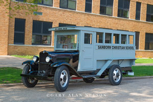 antique trucks, chevy, chevrolet, schoolbus, chevrolet school bus
