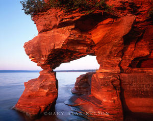 Apostle Islands National Lakeshore, Wisconsin, sandstone arch, lake superior