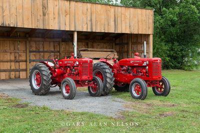 1954 McCormick-Deering Super W6-TA Wheatland Diesel and 1954 McCormick Deering Super W6-TA Wheatland