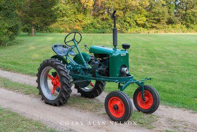 1950 Shaw Du-All Model R8