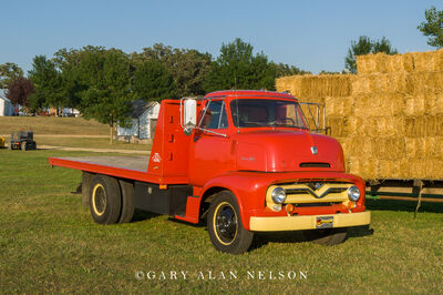 1955 Ford C-600 2-ton truck