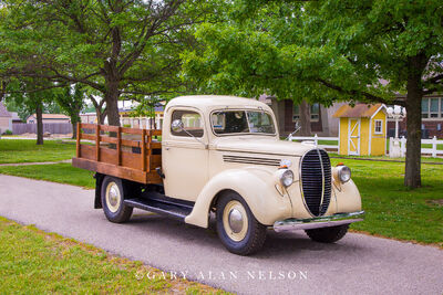 1939 Ford One-Ton