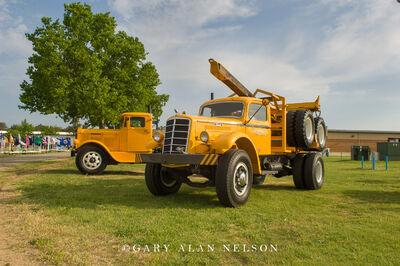 1948 Mack EQX & 1932 Pierce Arrow