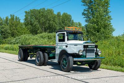 1939 Mack BX