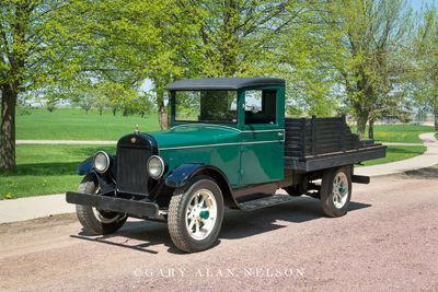 1928 REO Speed Wagon