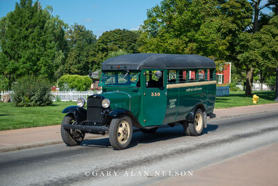 192? Ford Bus