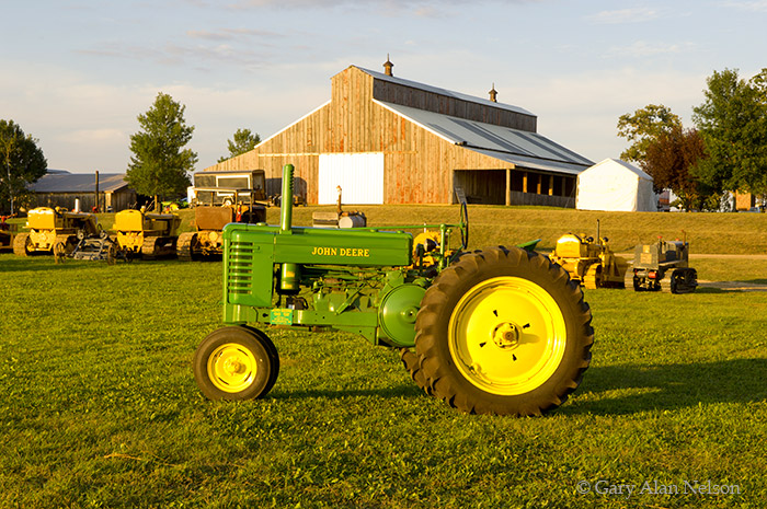 John deere, model gm, photo