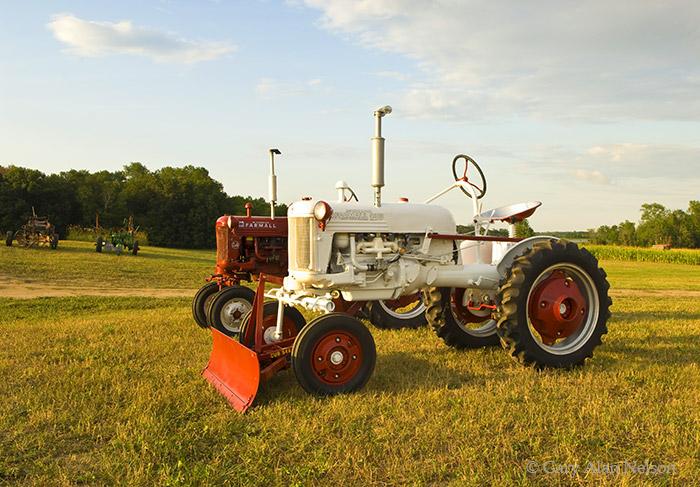 Farmall, cub,tractors, photo