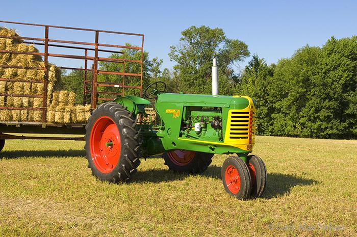 oliver, row crop 88, 88, photo
