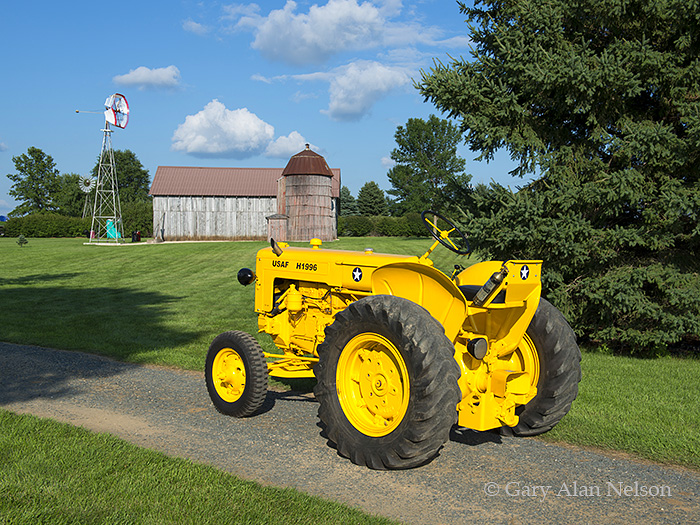 old antique tractors with 1951 Minneapolis Moline Zasi Military 3 on 1942 Cockshutt 30 furthermore 1957 Minneapolis Moline 445 U in addition Black White Photography besides Tpic46816 in addition Royalty Free Stock Photos 1950 John Deere Tractor Image28776978.