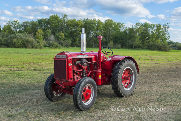 Farmall, international, McCormick, photo