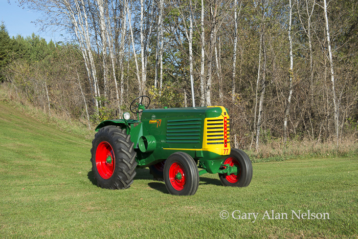 1949 Oliver 77 Standard Wheatland, photo