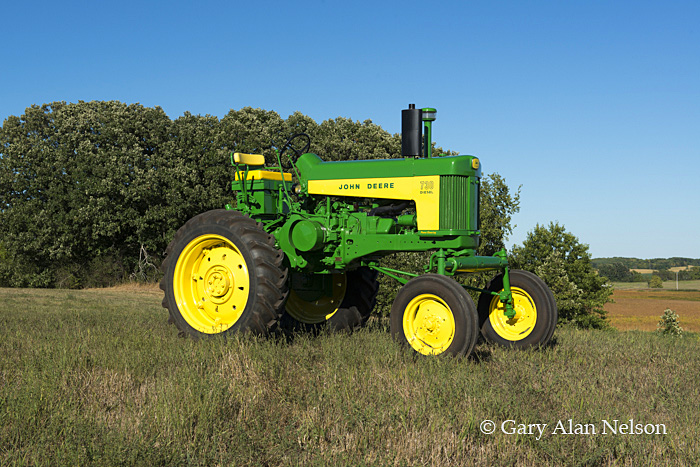 antique tractor,john deere, 730 high crop, high crop diesel, photo