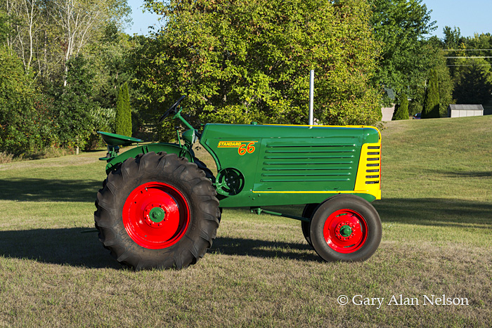 antique tractors,oliver, 66 stanard, photo