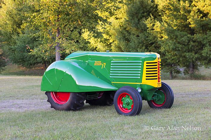 antique tractors,oliver, 77 orchrd, photo