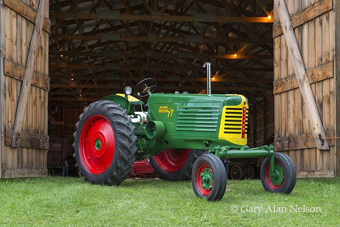Antique tractor tractor,oliver,vintage tractor, oliver 77 row crop, photo