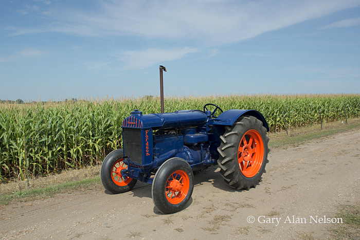 Fordson,antique tractor, photo