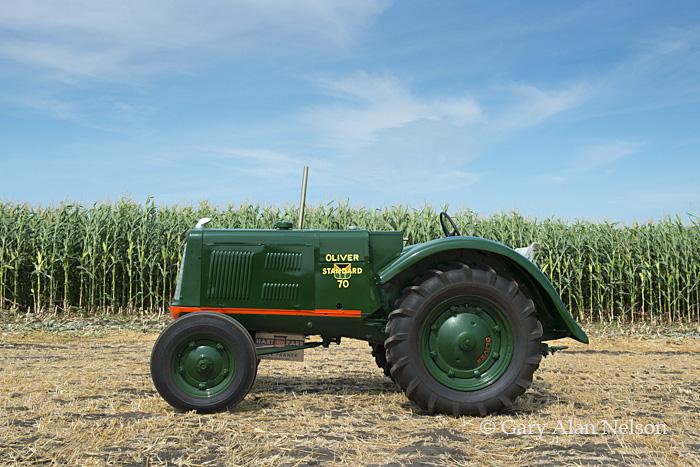 Hart-Paar,antique tractor,oliver, oliver 70 standard, photo