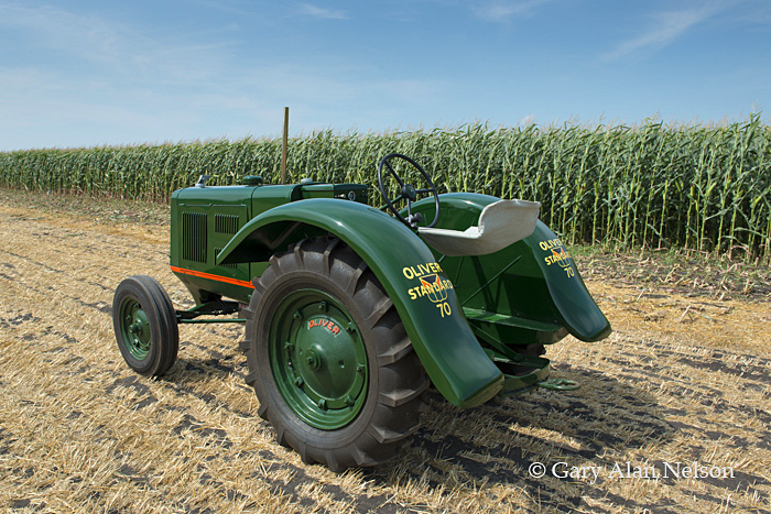 Hart-Paar,antique tractor,oliver, 70 standard, photo