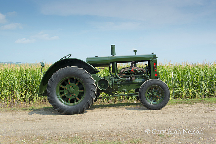 Rumely,antique tractor, photo