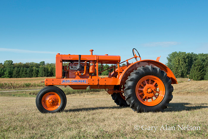 antique tracter, allis-Chalmers, photo