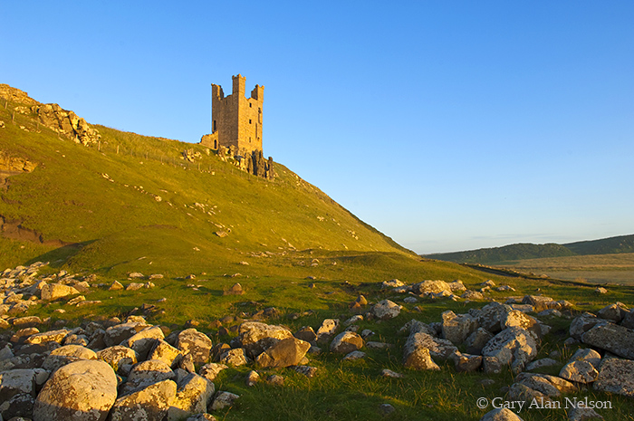 GB-11-143-ENG Dunstanburgh Castle on the Northumberland Coast, Eastern England