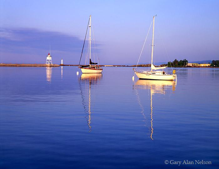 minnesota, lake superior, lighthouse, sailboat, grand marais, photo