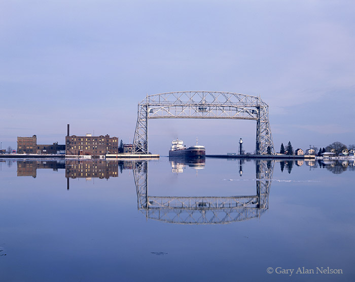 minnesota, duluth, ore boat, lift bridge, photo