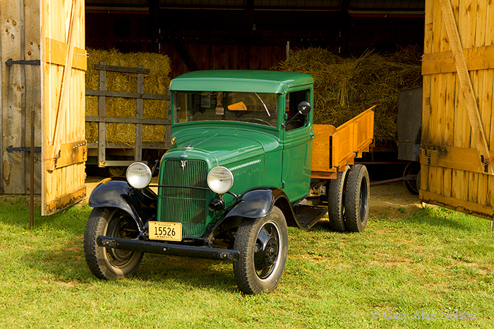 1933 Ford Model BB 1.5-ton truck, 1933 ford truck,Ford, antique truck, vintage trucks, photo