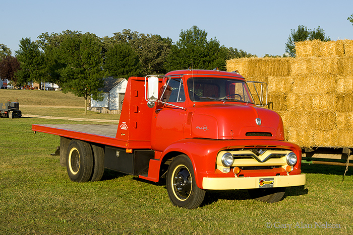 1955 Ford C-600, 2-ton truck,Ford, antique truck, vintage trucks, photo