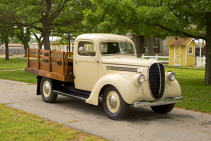 1939 Ford One-Ton,Ford, antique truck, vintage trucks, photo