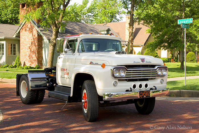 1960 Ford F-1000 Truck Tractor,Ford, antique truck, vintage trucks, photo
