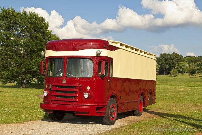 1950 International Harvester Fageol Van, photo