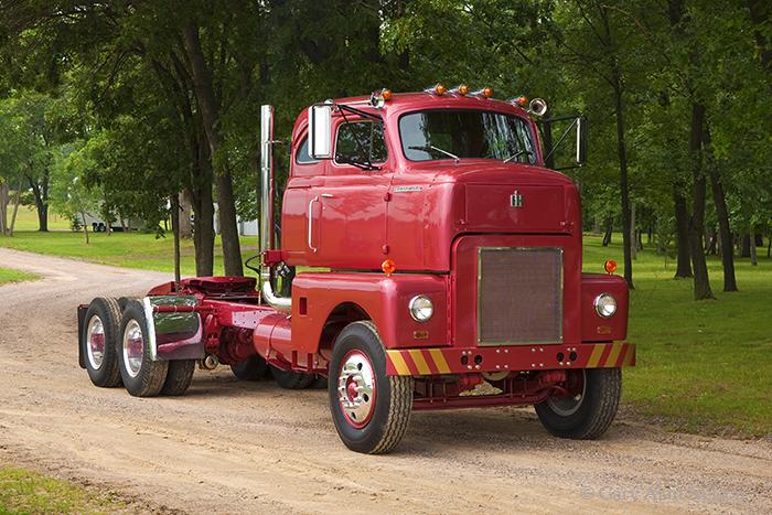 1954 International RDFC 405,antique truck, vintage truck, international , photo