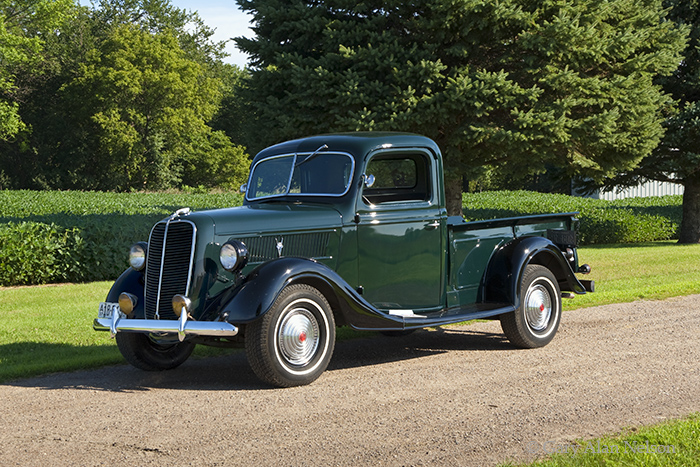 1937 Ford Pickup, photo