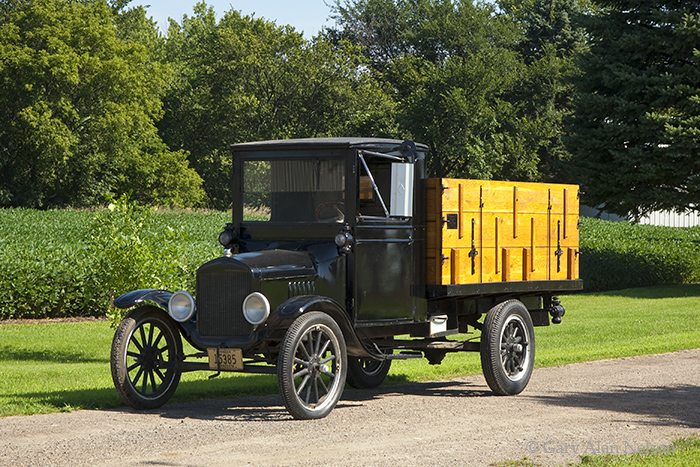 1924 Model T,Ford, antique truck, vintage trucks, photo