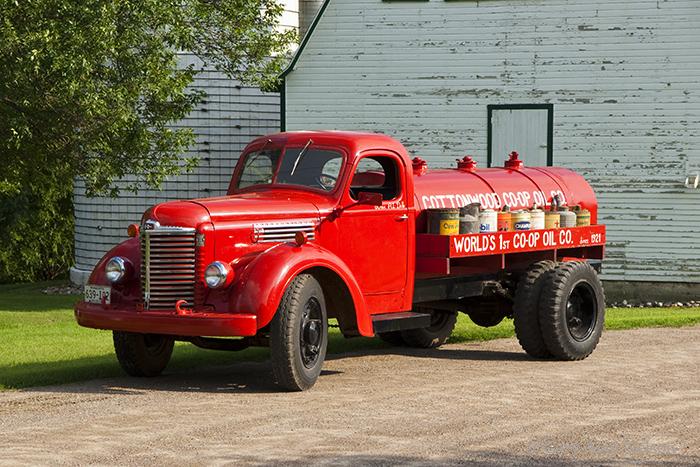 1946 International KB-6,antique truck, vintage truck, international, photo