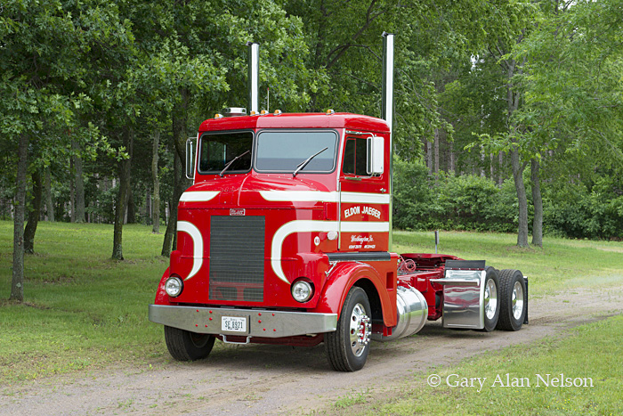 Peterbilt,antique truck,vintage truck, photo