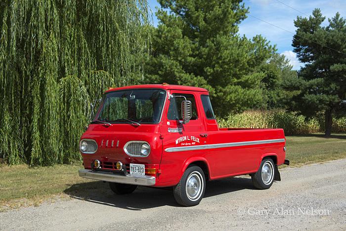 Ford,antique truck, econoline, photo