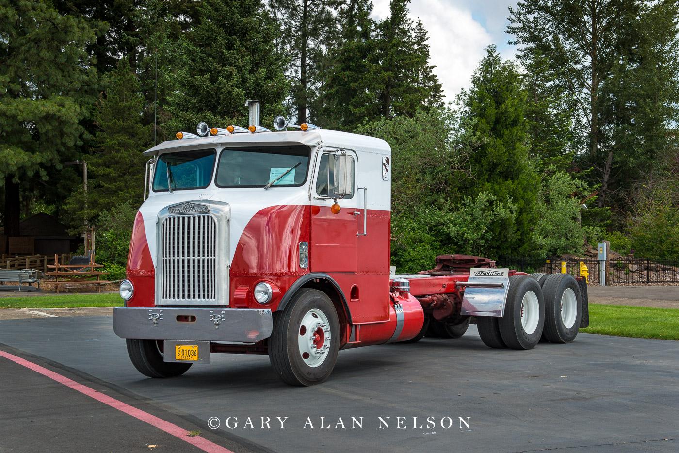 1955 White Freightliner WF64
