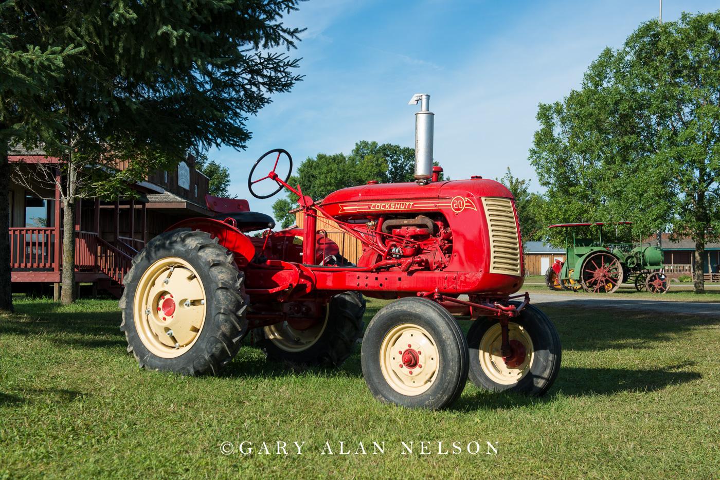 Cockshutt, antique tractor, photo